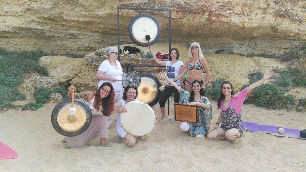 Retiro en Cabo Roche con Sonidos de Aquario -Luis y Sara-