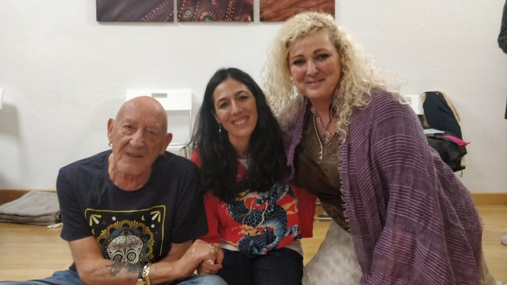 Sara Moguer con sus Maestros de Shamballa